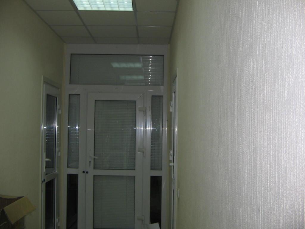 Нежитлове приміщення площею 405,05 кв. м за адресою: м. Київ, вул. Північно-Сирецька, 1-3