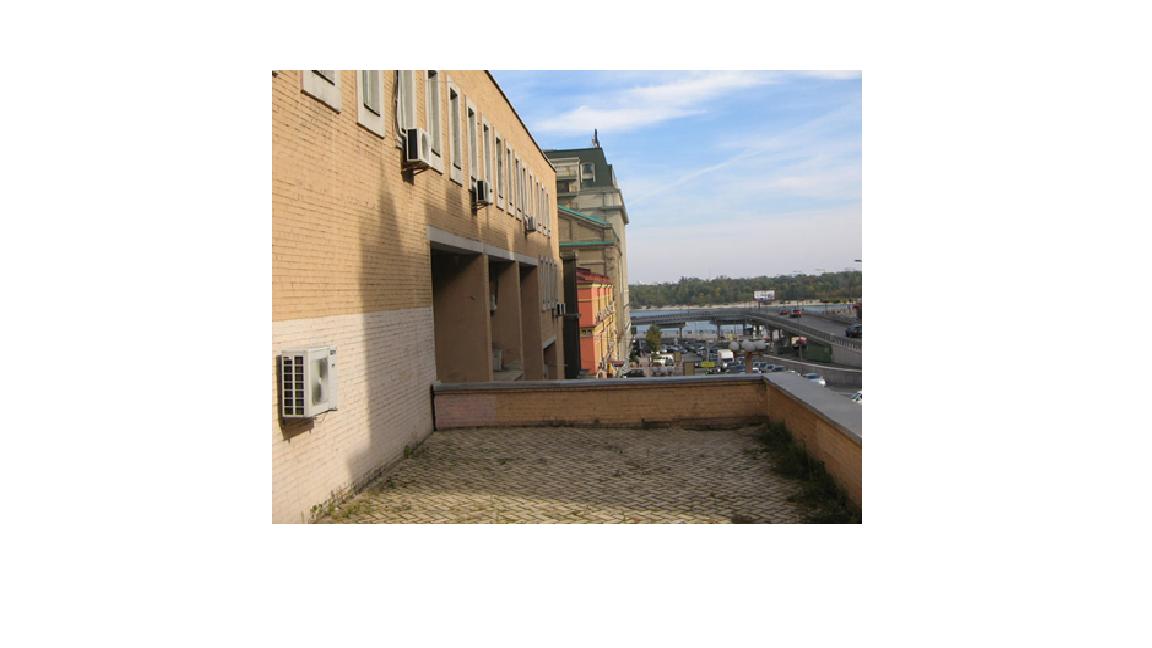 Цілісний майновий комплекс загальною площею 6077,1 кв.м, який знаходиться за адресою: м. Київ, вул. Петра Сагайдачного, будинок 17 (реєстраційний номер об'єкта нерухомого майна 2240699980000, інвентарний № 156), який розташований на земельній ділянці, яка знаходиться у користуванні банку (договір оренди до 22.05.2022) площею 0,3437 га, кадастровий номер: 8000000000:85:389:0001. Основні засоби в кількості 203 одиниць (офісна та комп'ютерна техніка, офісна мебель – детальна інформація в публічному паспорті активу)