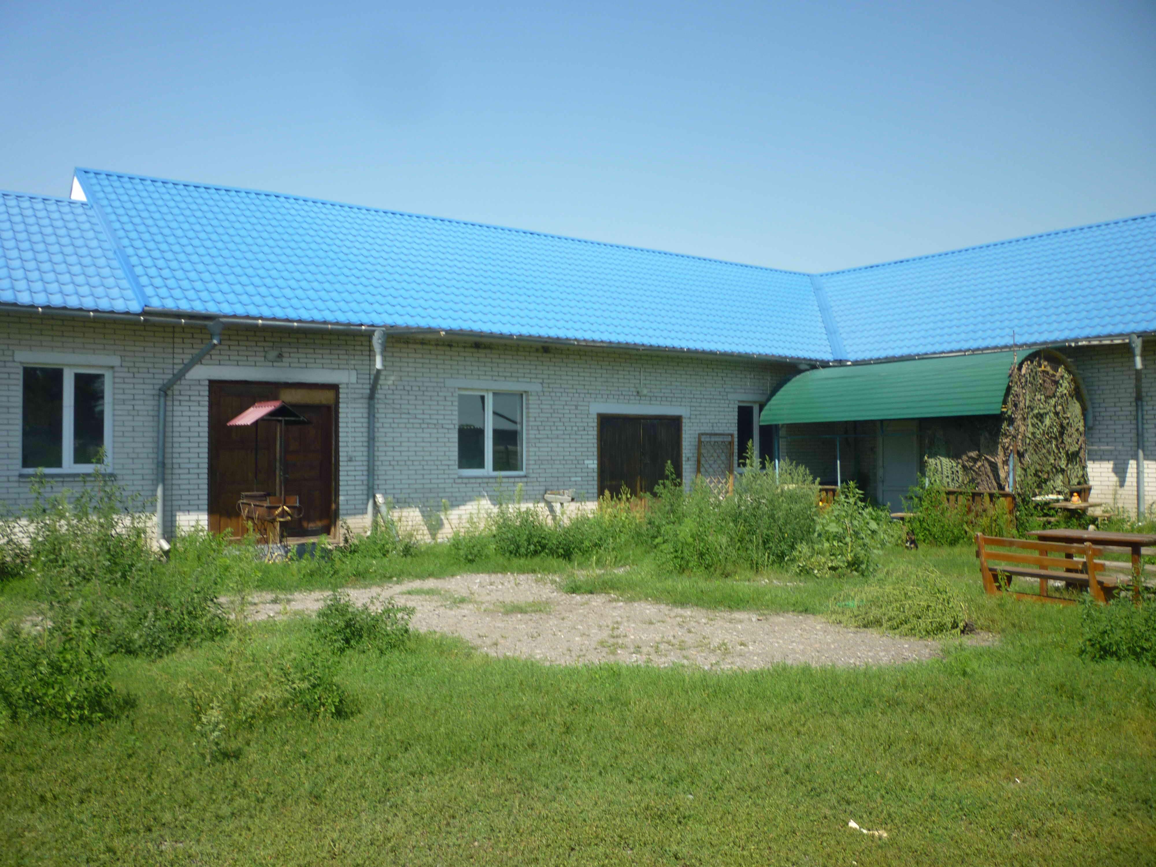 Будинок, загальною площею 191,8 кв. м, в с. Перемога